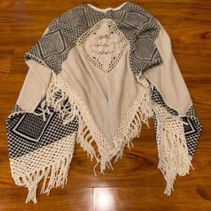 Hollister Knitted Fringe Poncho Cream One Size